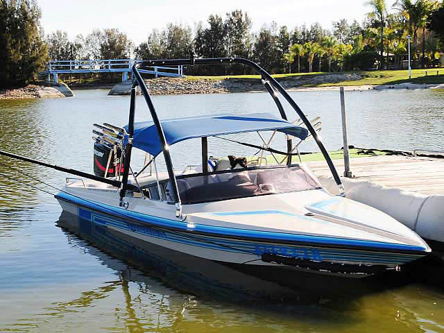 1994 Malibu Flight Craft 18XL boat wakeboard towers