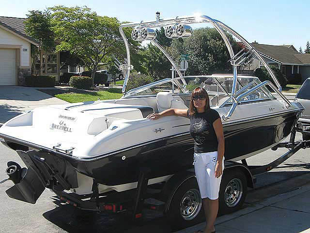 2005 Reinell 204 boat wakeboard towers installed on 06/19/2011