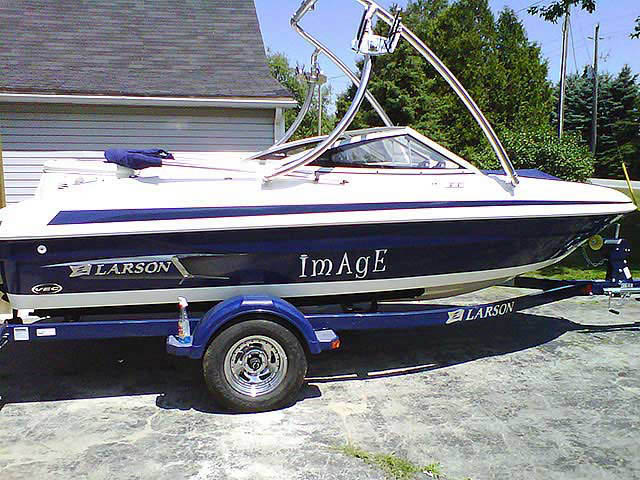 2011 Larson lx series boat wakeboard towers