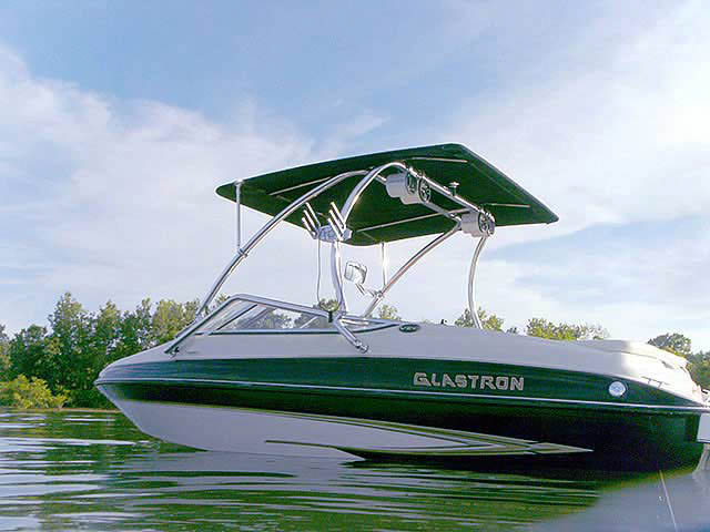 Glastron 2005 GX205 boat wakeboard towers