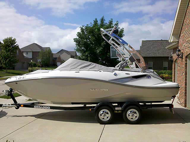 2010 Seadoo 210 Challenger SE boat wakeboard towers
