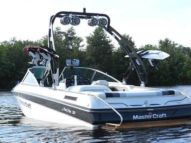 FreeRide Tower ski tower Installed on 1990 Mastercraft Maristar 210 Boat