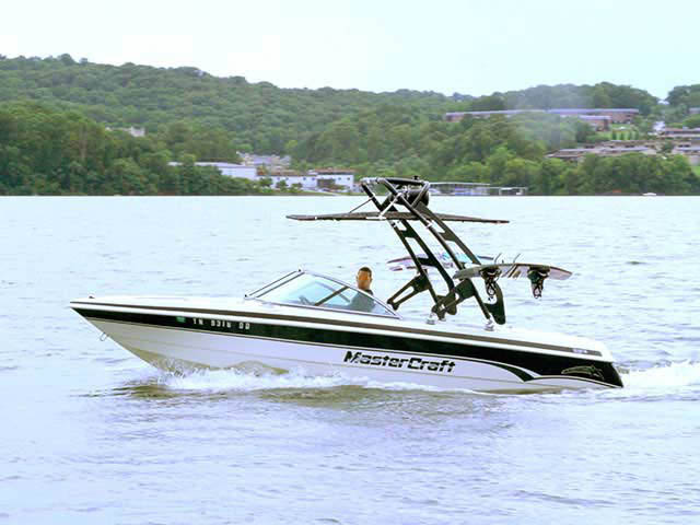 FreeRide Tower with Bimini ski tower Installed on 1999 Mastercraft ProStar 205 Boat