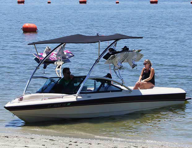 1999 Malibu Response boat wakeboard towers