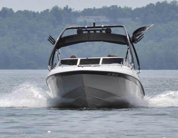 2000 Crownline 202 boat wakeboard towers