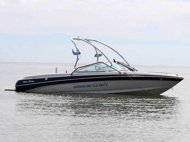 1999 MasterCraft MariStar 210 tower