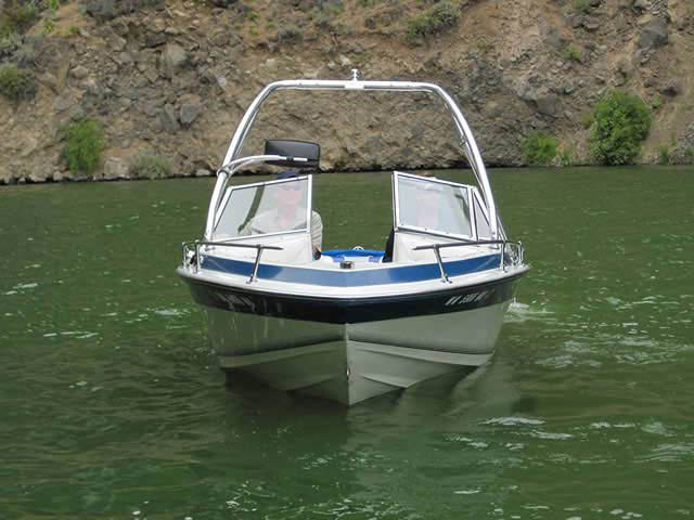 1988 Blue Water boat wakeboard tower