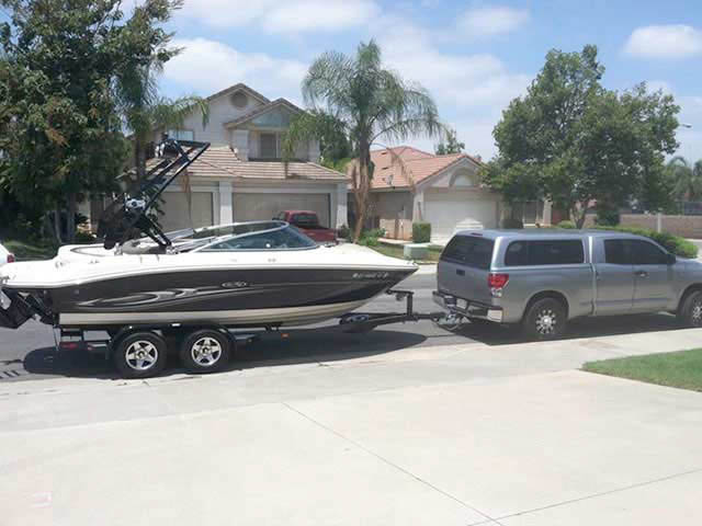 2005 SeaRay select 200 boat wakeboard tower