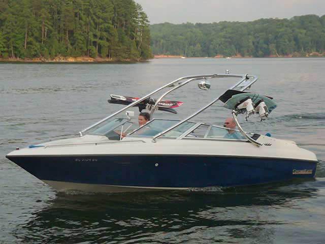 1992 Crownline BR196 boat wakeboard towers
