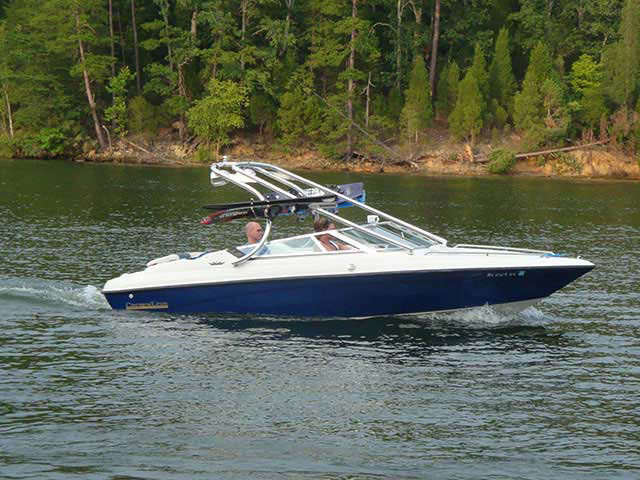 1992 Crownline BR196 boat wakeboard tower