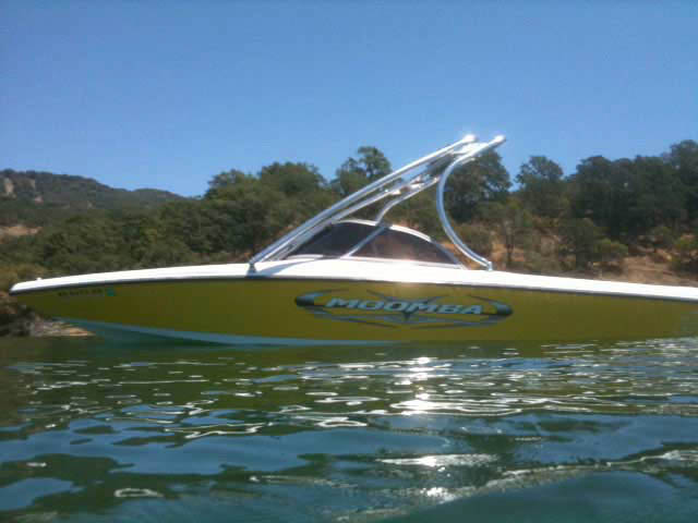 2005 Moomba Outback boat wakeboard towers