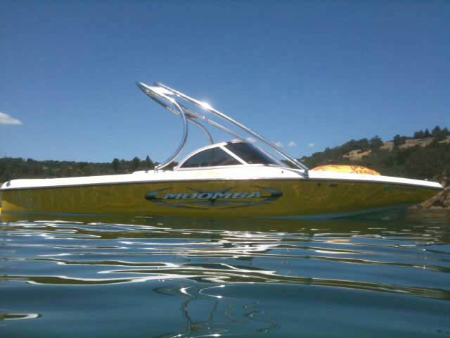 2005 Moomba Outback boat wakeboard tower