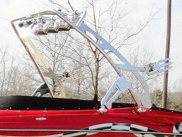 2009 Crownline LPX boat wakeboard tower