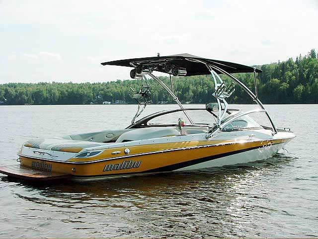 2006 Malibu Response LXi boat wakeboard towers