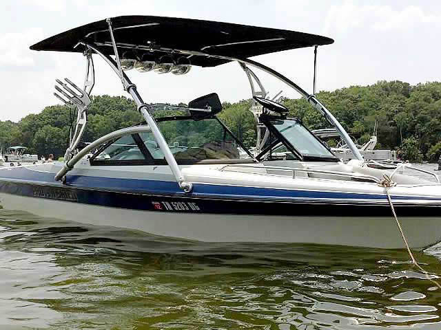 2007 Pro-Am Skier boat wakeboard towers