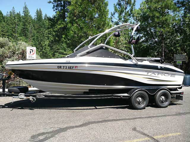 2008 Tahoe Q6 SF boat wakeboard tower