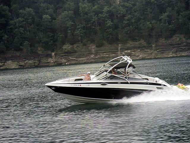 2005 Crownline 270br boat wakeboard tower