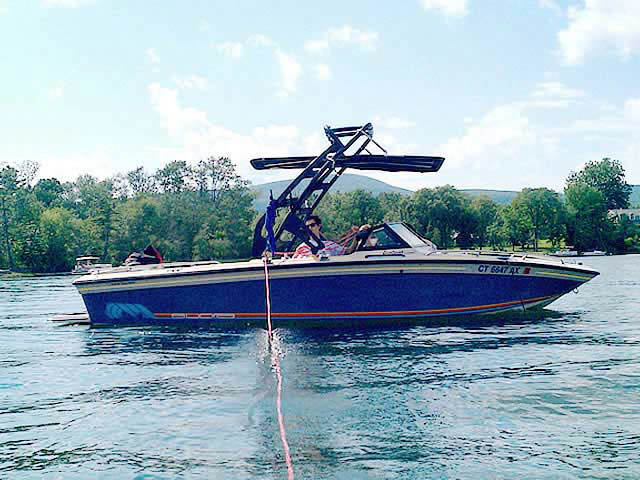 1990 Supra Sunsport boat wakeboard towers