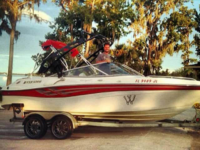 2000 Four Winns 210 horizon boat wakeboard tower