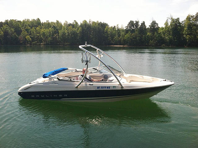 1994 Bayliner 1850 boat wakeboard towers