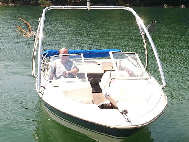 1994 Bayliner 1850 boat wakeboard tower
