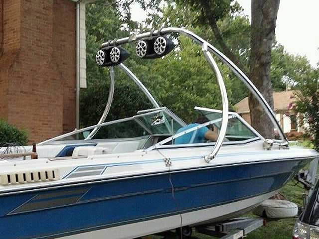 1986 Sea Ray Seville boat wakeboard tower