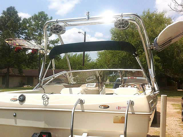 2000 Bayliner Capri 1950 boat wakeboard tower