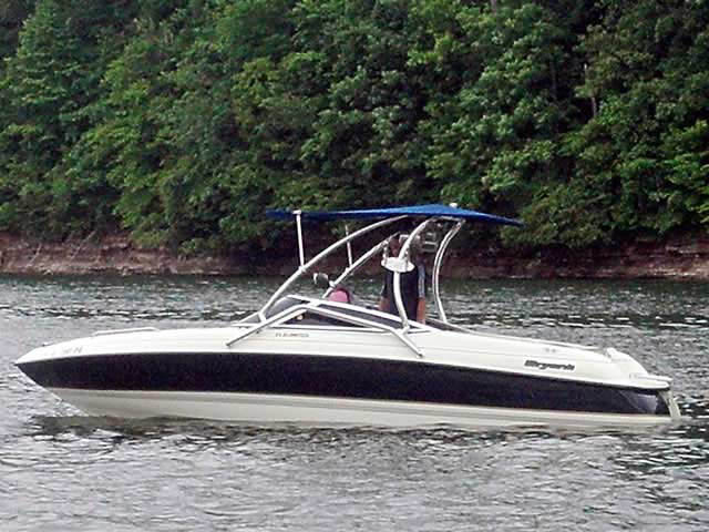 Bryant 212 Limited  boat wakeboard tower