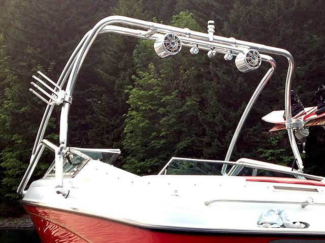 1993 Crownline 19.5' boat wakeboard tower