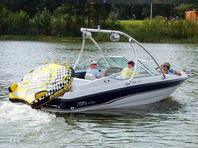 1995 Chaparral 1930 SS boat wakeboard towers