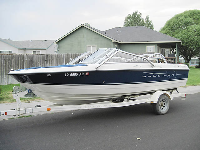 2008 Bayliner Discovery 195 boat wakeboard tower