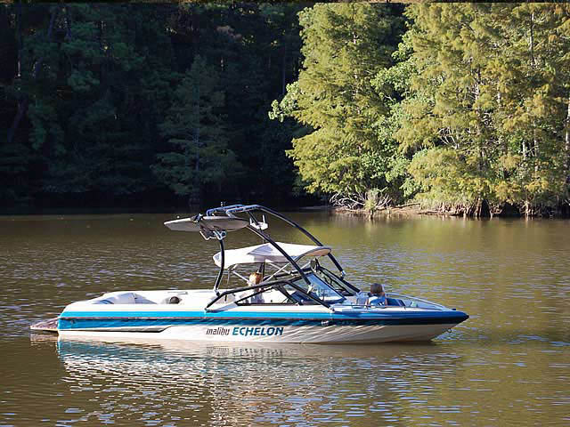 1995 Malibu Echelon boat wakeboard towers