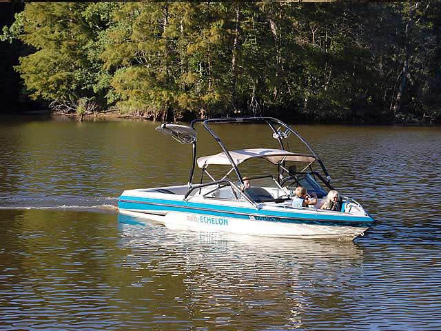 1995 Malibu Echelon boat wakeboard tower