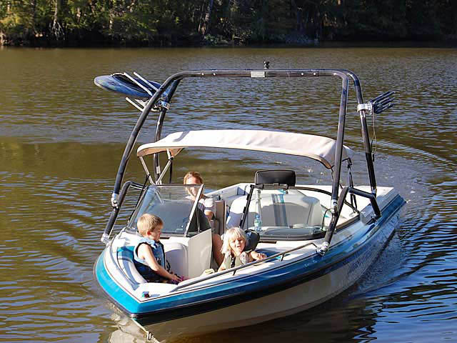 1995 Malibu Echelon boat wakeboard tower