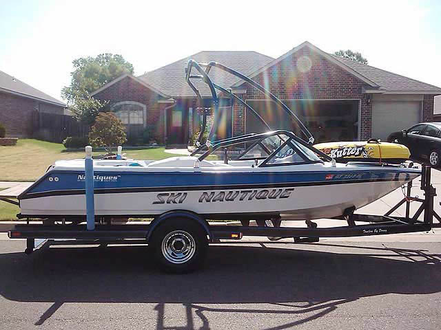 1994 Correct Craft Ski Nautique boat wakeboard towers