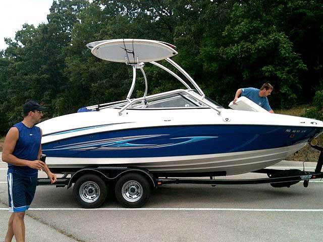 2008 Yamaha SX210 boat wakeboard towers