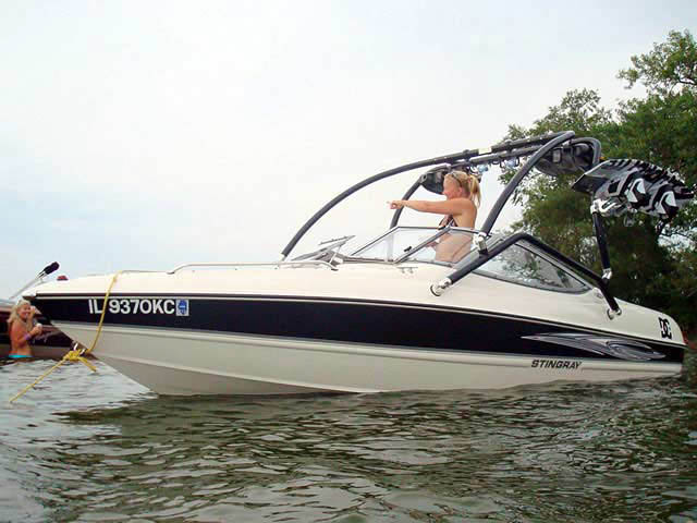 Stingray 2007 185lx boat wakeboard tower