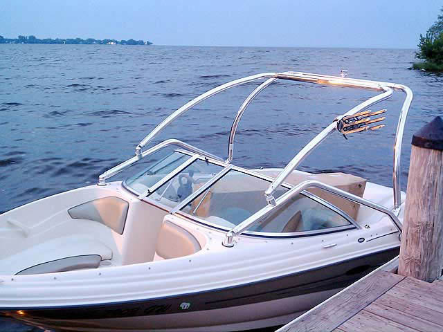 2005 Sea Ray 180  boat wakeboard tower