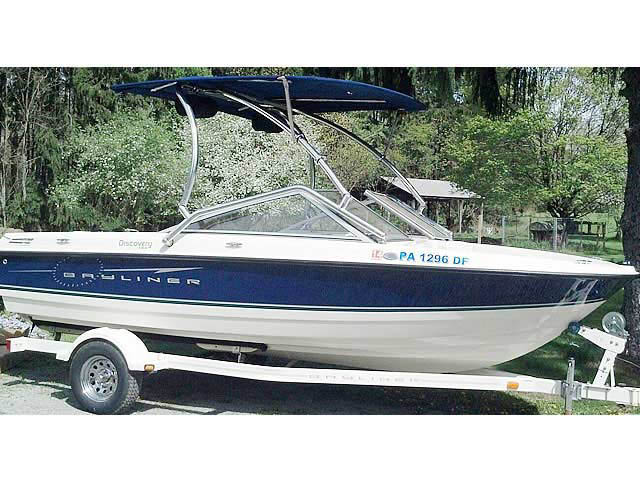 2009 Bayliner Discovery 195 boat wakeboard towers