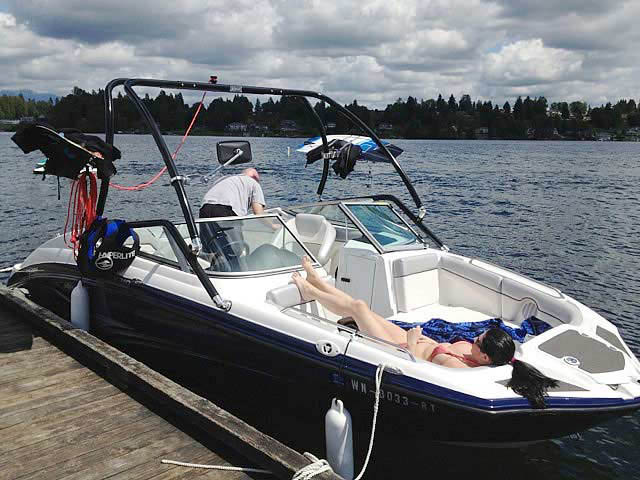 2012 Yamaha SX210 boat wakeboard towers