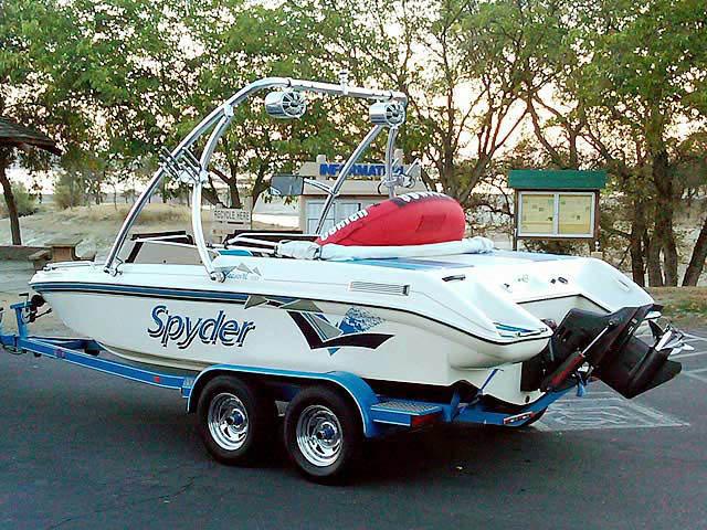 1993 Seaswirl Spyder 188 boat wakeboard towers