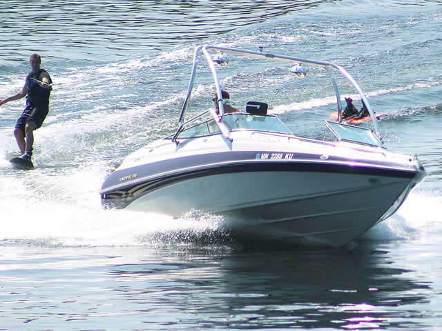 2000 Crownline BR 266 boat wakeboard towers