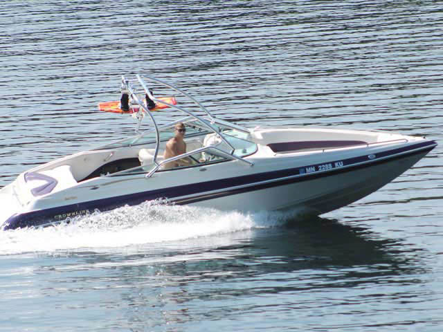 2000 Crownline BR 266 boat wakeboard tower