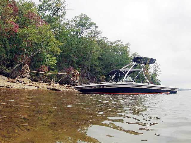 1990 Supra Conbrio boat wakeboard tower