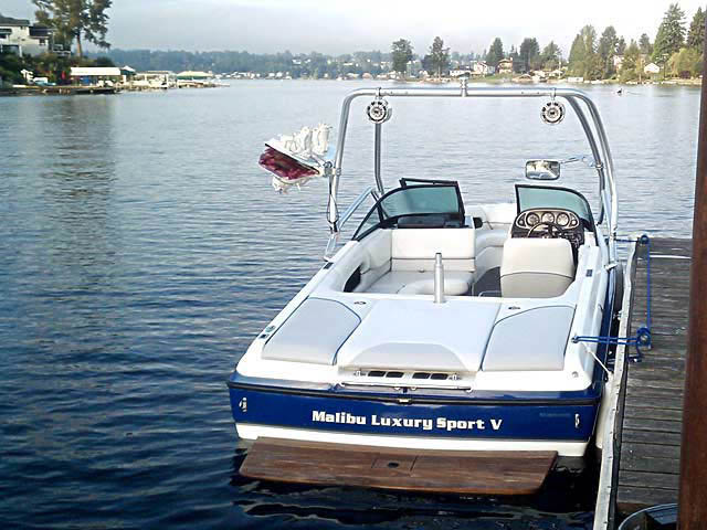 2001 Malibu Sunsetter VLX boat wakeboard towers