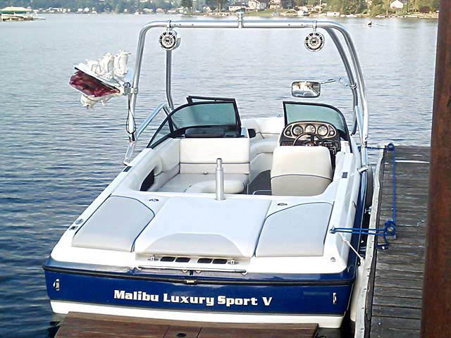 2001 Malibu Sunsetter VLX boat wakeboard tower