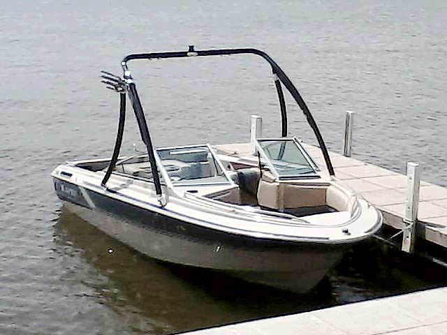 86 Larson 17.5 Citation boat wakeboard tower