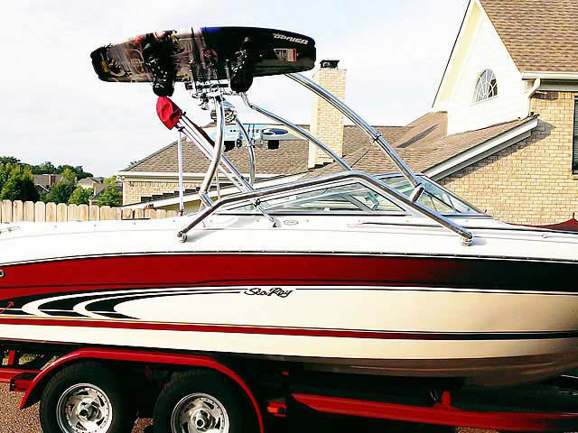 1998 Sea Ray  210BR boat wakeboard towers
