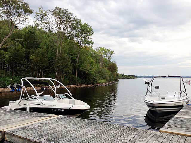 2004 Larson SEi 180 boat wakeboard tower