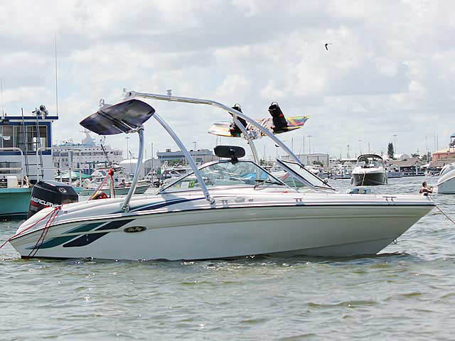 1998 Sea Ray 180 Bow Rider boat wakeboard tower